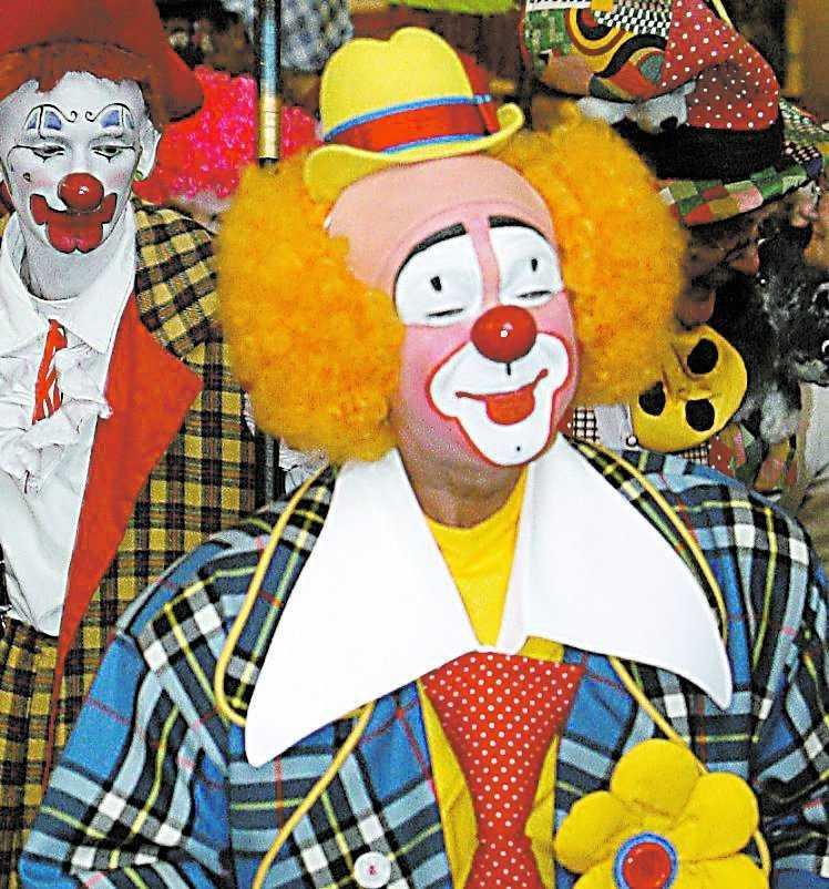 """RYSK BÖRSMÄKLARE? Experternas dom: """"Cirkusapan Lusha fick börsmäklarna att se ut som clowner""""."""