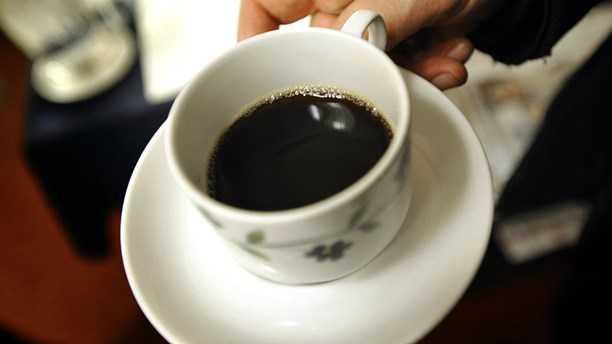 Kaffedrickare lever längre – nu tror sig forskarna veta varför.