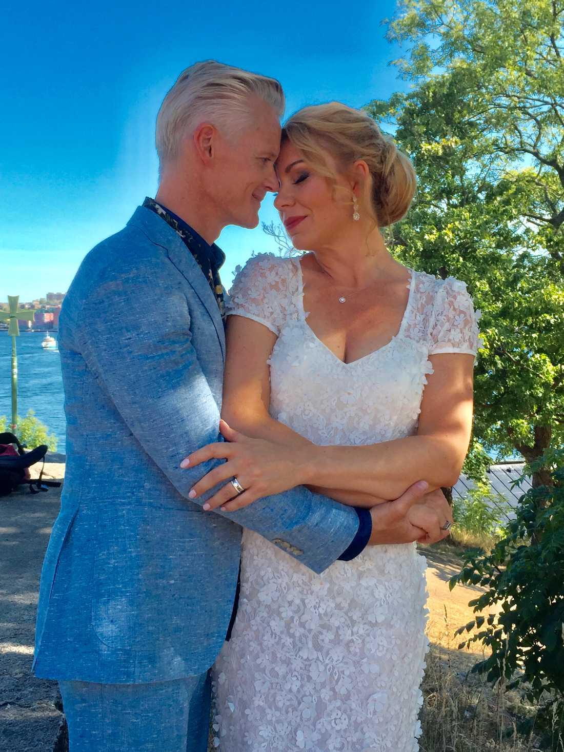 Henrik Fexeus och Linda Ingelman har gift sig.