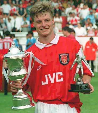 Mittfältsterriern Stefan Schwarz i Gunners 1994.