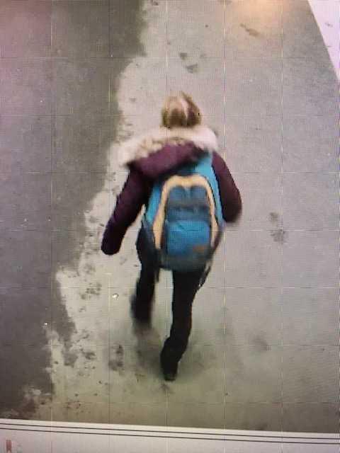 Sista spåret efter Agnes. Hon filmades den 26 januari i ett köpcentrum i Sollentuna.