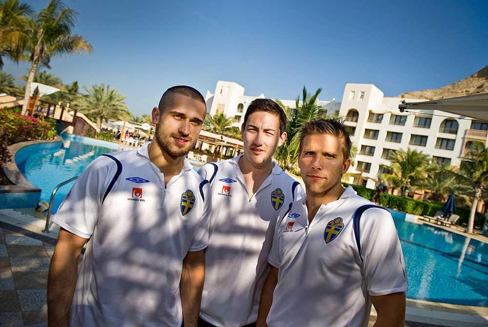 Anders Svensson på landslagets januariturné 2010 i Oman. Här tillsammans med Emir Bajrami och Stefan Ishizaki.