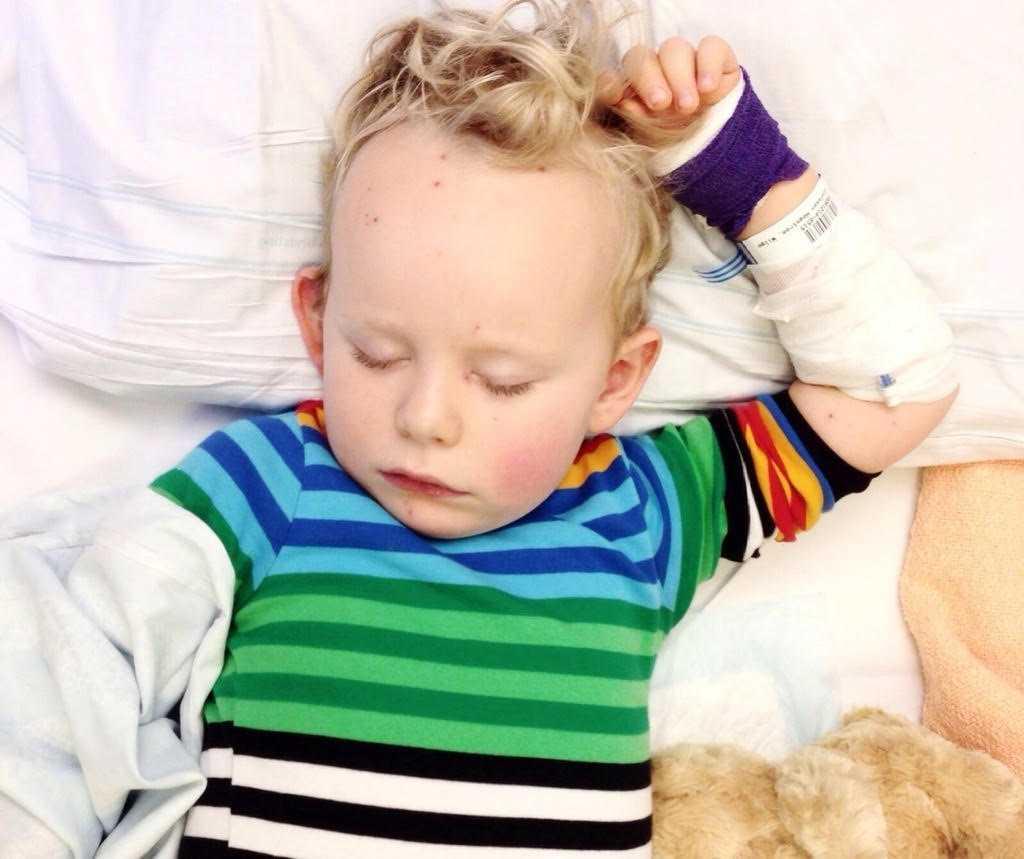 När Wilgot  var fyra år fick han ligga på sjukhus i två veckor till följd av sina vattkoppor. Idag är han nio år och mår bra.