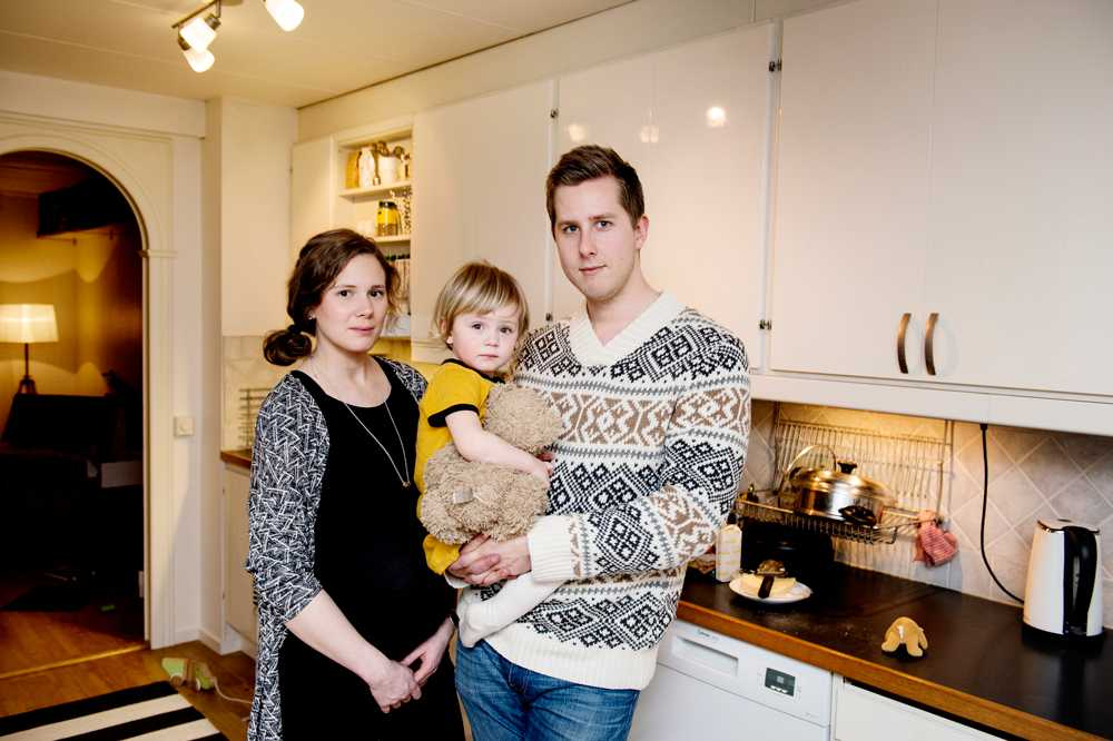 Emanuel Alenklint, Linn Alenklint och dottern Noomi, 2 år.