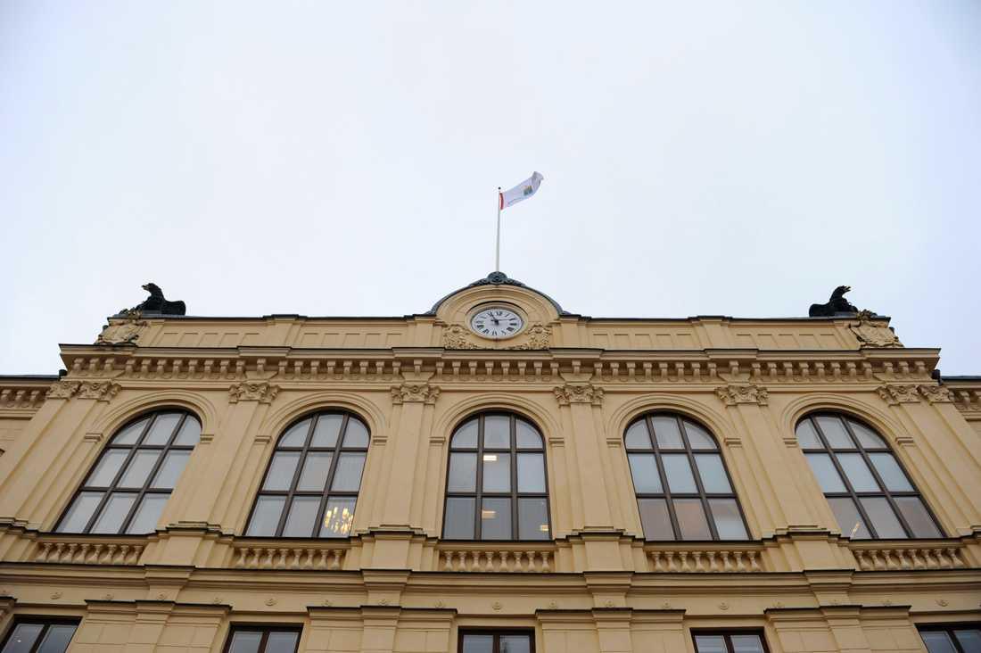 Värmlands tingsrätt dömer en bibliotekschef för att ha efterforskat en journalists källa. Arkivbild.