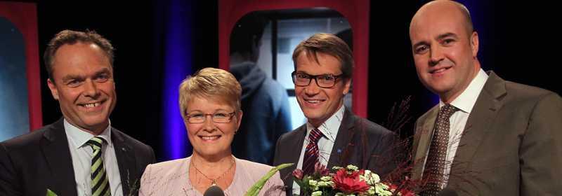 Jan Björklund (fp), Maud Olofsson (c), Göran Hägglund (kd) och Fredrik Reinfeldt (m) får fortsätta bilda regering i ytterligare fyra år enligt spelbolagens experter.
