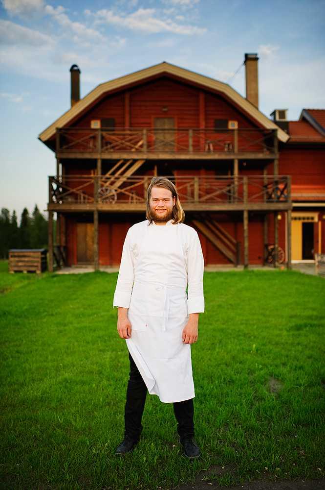 Magnus Nilsson utanför restaurang Fäviken i Järpen. Den anses vara världens 34:e bästa.