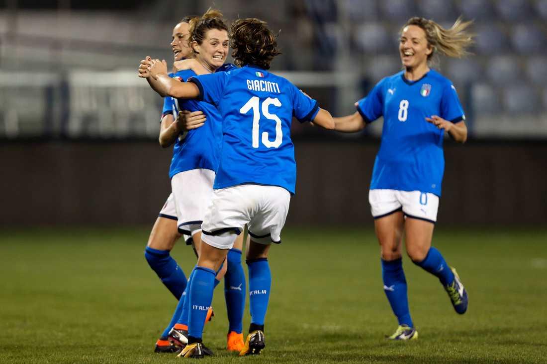 Kappelin  Italiens damlandslag på väg mot fotbolls-VM  ec33d0cee3364
