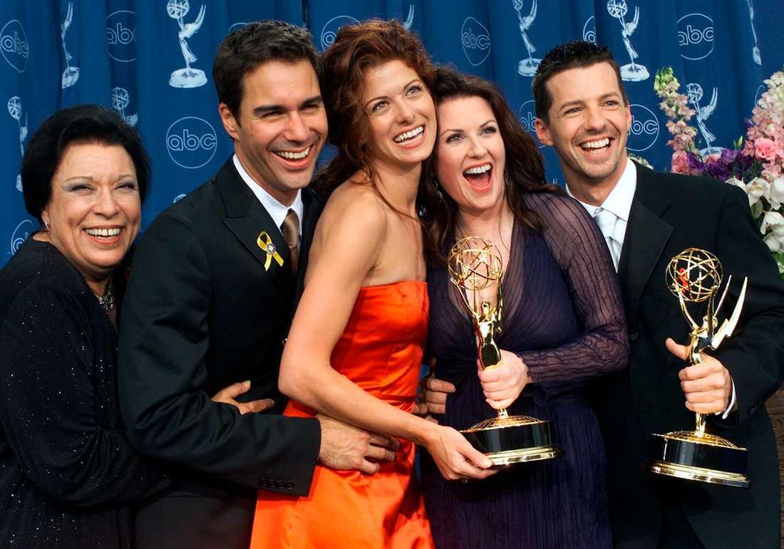 """Shelley Morrison tillsammans med skådespelarkollegorna i """"Will & Grace"""""""