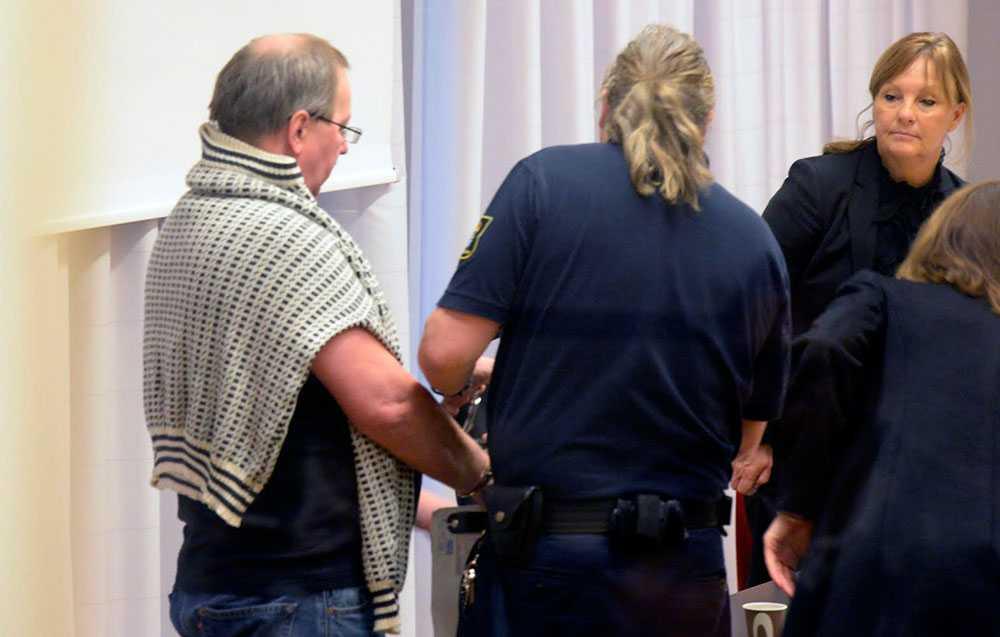Anders Eklund har krävt skadestånd för misshandeln.