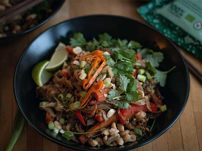 Pad thai med tempeh