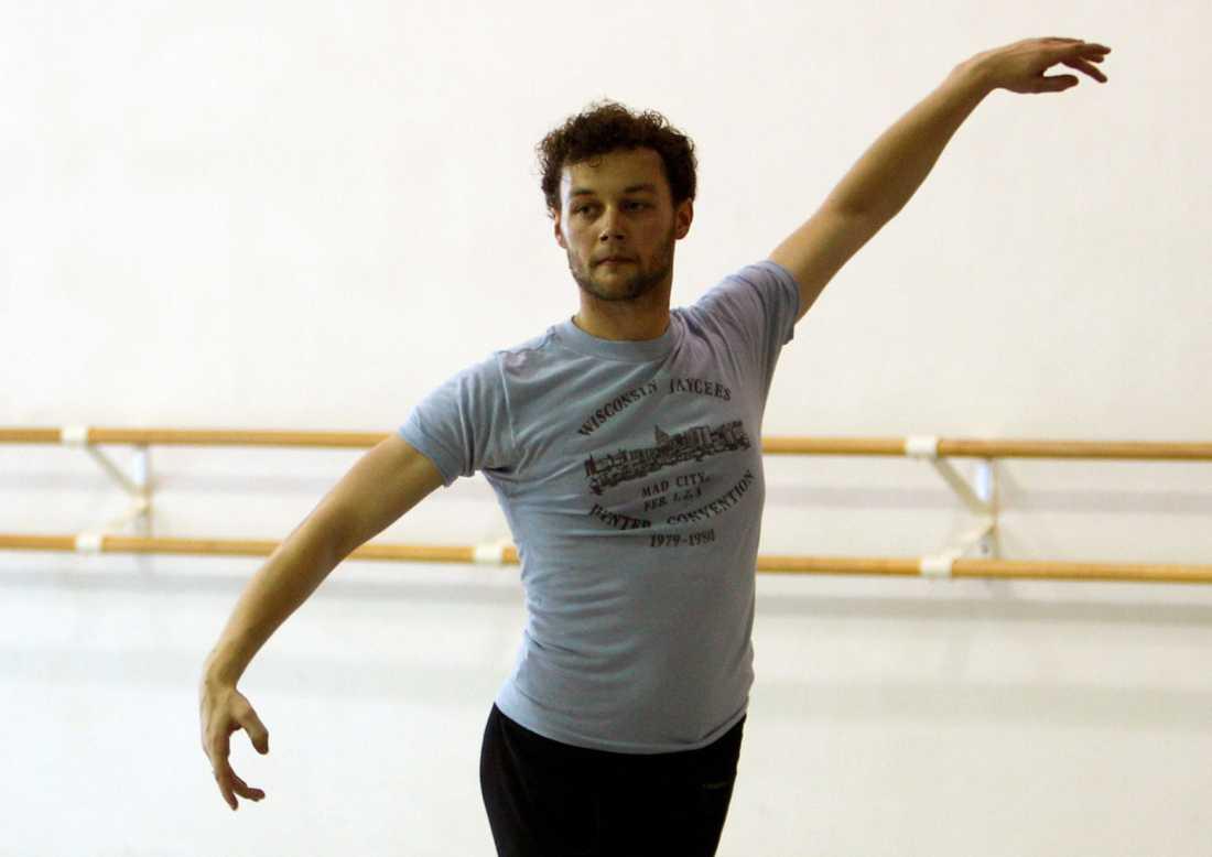Den brittiske dansaren och koreografen Liam Scarlett är död. Arkivbild.