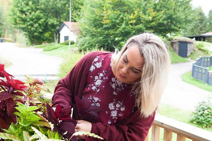 Under hösten plockar Kristin alltid in vackra kvistar och grenar från trädgården och dekorerar hemmet med.