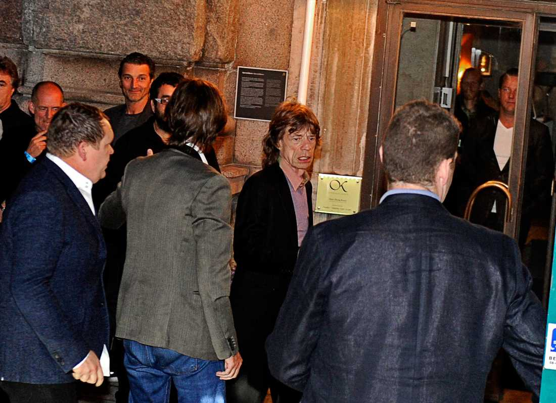 Jagger anlände Café Opera efter de andra medlemmarna efter klockan 23.