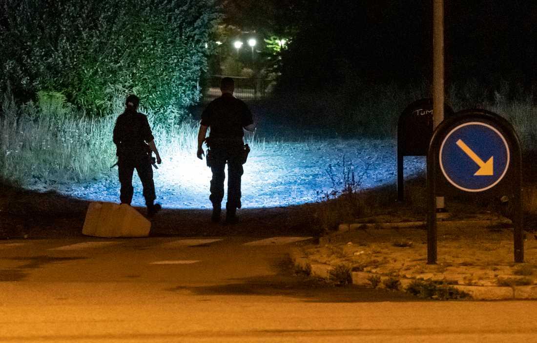 Polisen söker nu efter en handfull personer som varit inblandade i fritagningen från Råbyhemmet i Lund.