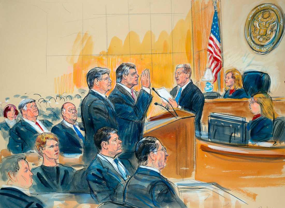 USA:s president Donald Trumps tidigare kampanjchef Paul Manafort i rätten i höstas.