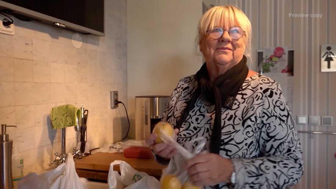 "Britt-Marie Karlsson, Bert Karlssons fru sedan 55 år, ur dokumentären ""Bert – elefanten i folkhemmet"""