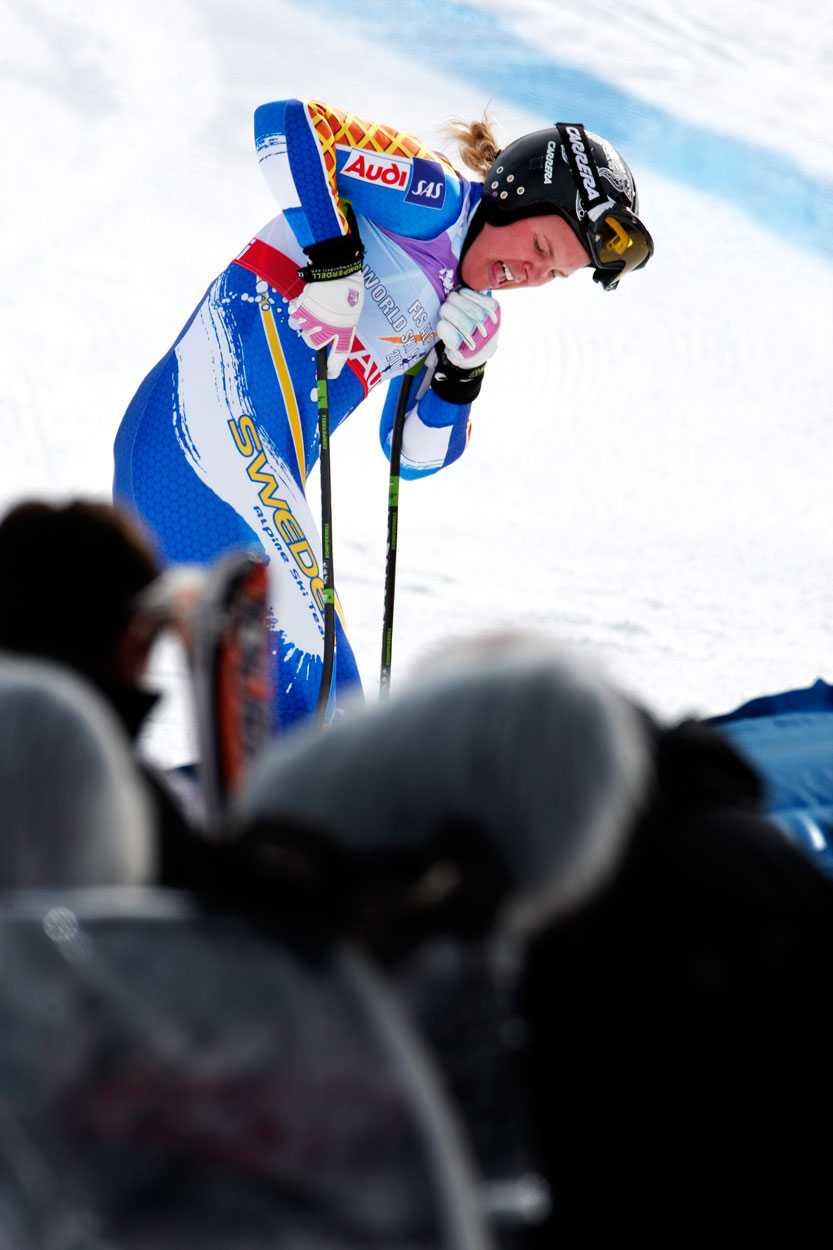 2008/2009 Efter hemma-VM i Åre kom Anja till Val d'Isére som regerande mästare i tre grenar och förhoppningarna var stora. Men Pärson körde ur i både super-G och superkombinationen och på fem starter blev det en niondeplats som bäst. Anja var med och slogs om världscupsegern efter mästerskapet, men amerikanskan Lindsey Vonn blev för svår och vann överlägset. Den 19 april meddelade Anja att hon avslutar karriären efter OS i Vancouver.