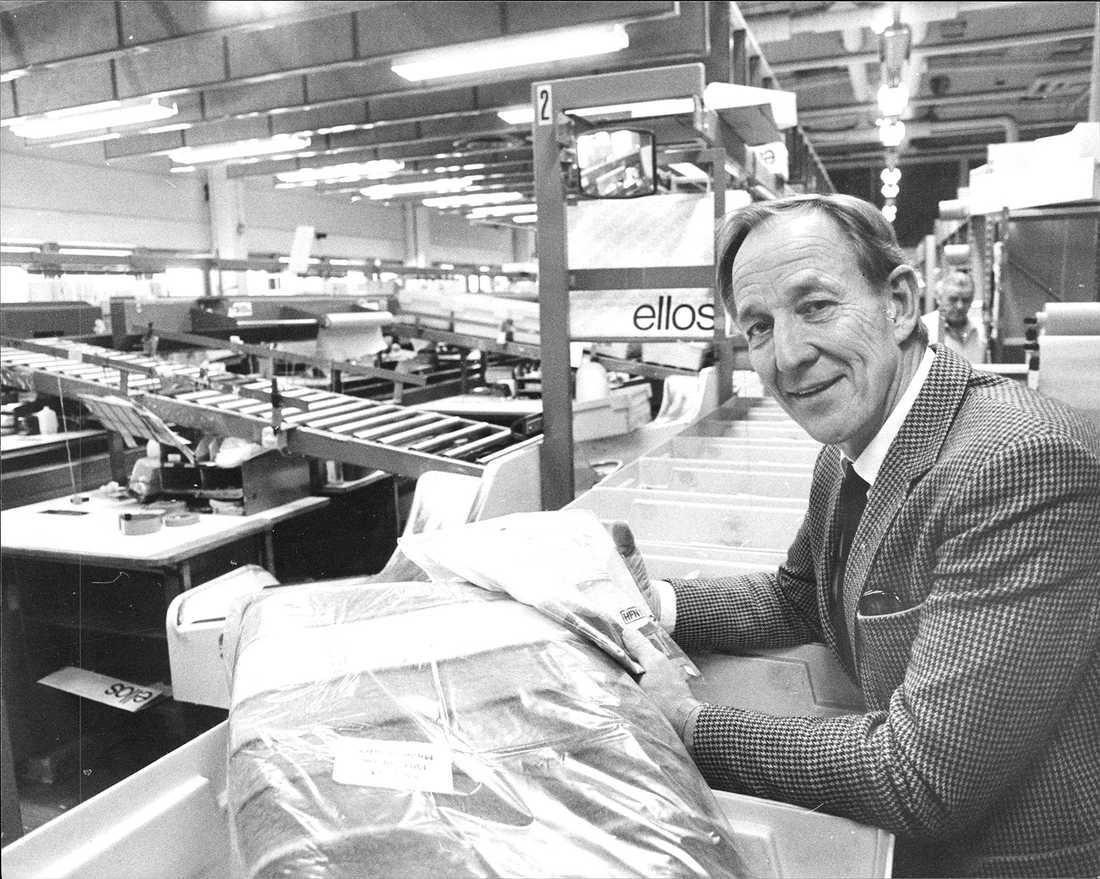 Olle Blomqvist i sorterings- och packningssalen.
