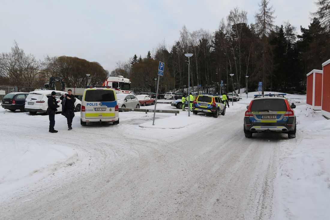 Här, på en parkeringsplats, i Gottsunda attackerade mannen sin ex-fru.