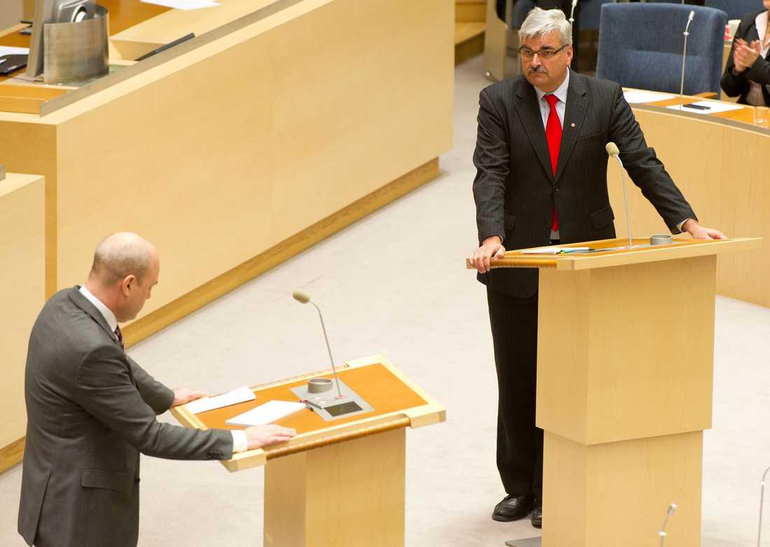 """Håkan Juholt var inte imponerad över de borgerliga i partiledardebatten. """"Oj, vad trött, tyst och uppblåst det var från den andra kanten"""", säger han."""