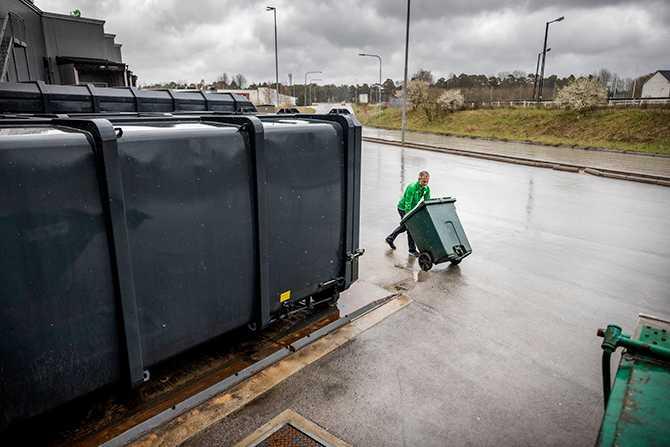 …och tror på att de kommer kunna komma ner till tio–tolv ton avfall vid årets slut.