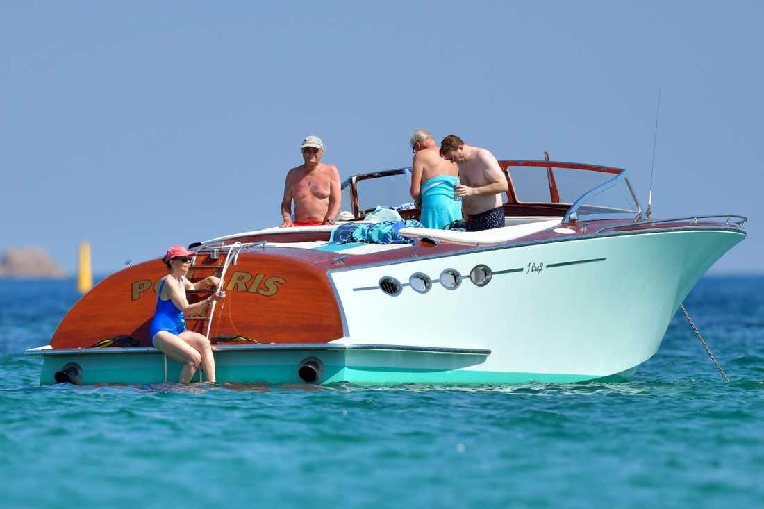 Kungen och drottningen ombord på Polaris utanför Saint Tropez.