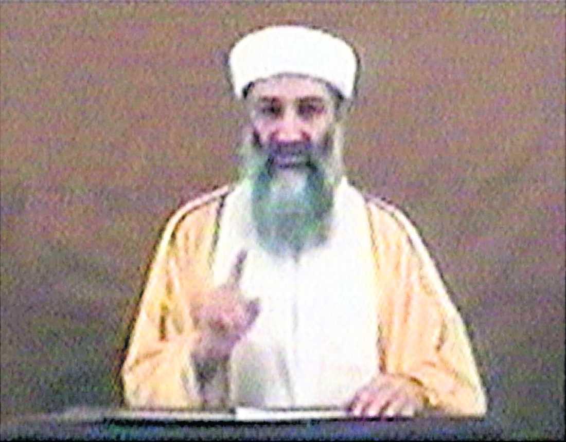 Usama bin Ladin lyckades fly från Tora Bora-grottorna.