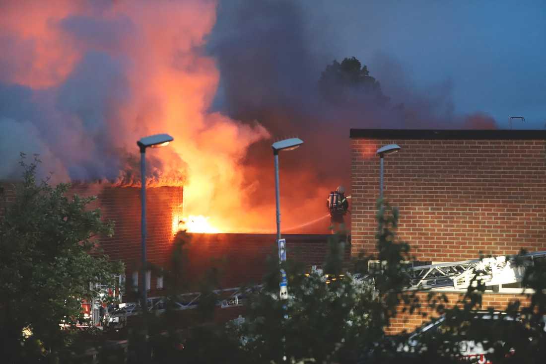 Slättgårdsskolan i Bredäng riskerar att bli totalförstörd.