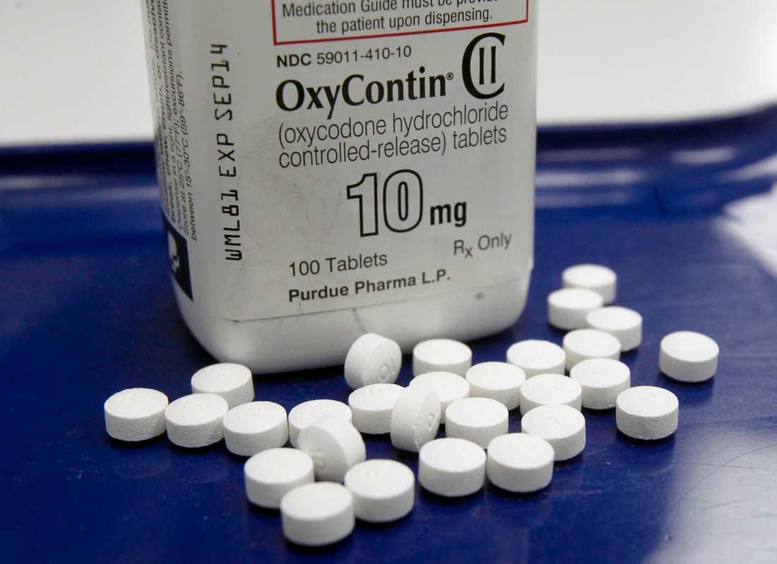 De smärtstillande tabletterna OxyContin är en starkt bidragande orsak till opiatepidemin i både USA och Sverige.