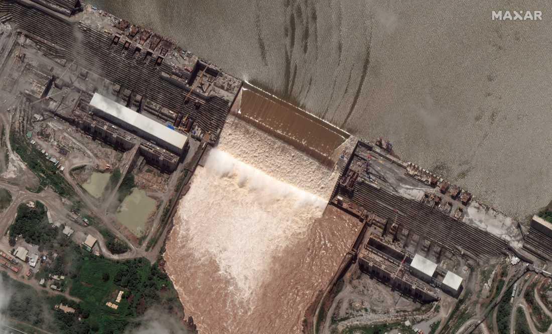 Satellitbild över Stora etiopiska renässansdammen (GERD) i juli, då den började fyllas med vatten.
