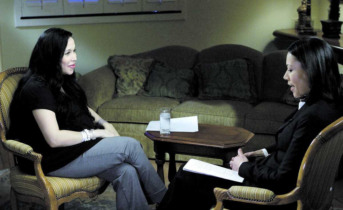 """Drömde om stor familj """"Allt jag vill är att ha många barn"""", sa Nadya Suleman i den första intervjun efter förlossningen, där denna bild togs. Intervjun som citeras i artikeln nedan skedde senare."""