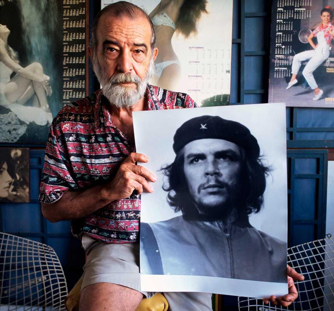 """Världens mest kända skägg.  Fotografen Alberto Kordas bild av Che Guevara är en av världens mest spridda och reproducerade bilder. Korda kallade bilden """"Gerillahjälten"""" och den togs i Havanna den femte mars 1960."""