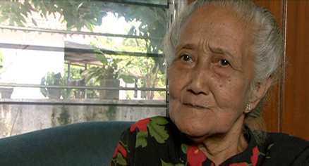 Kadaryiam, 80 år. 50 kvinnor i hennes fängelsecell avrättades, men Kadaryiam skonades därför att hon var Javas mest populära folkdansare. Satt 15 år i fängelse utan rättegång eller dom.