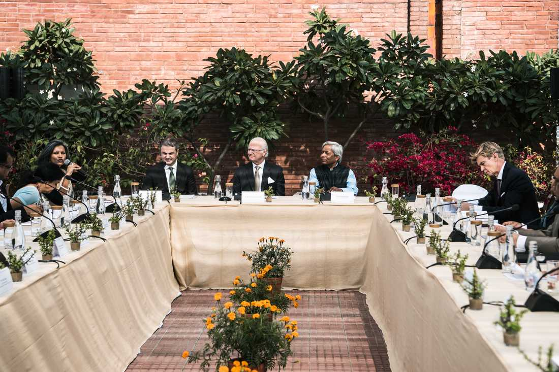 """Tidigare under dagen deltog kungen vid ett rundabordssamtal på India Habitat Centre och sa att """"avskogningen i världen skrämmer mig""""."""