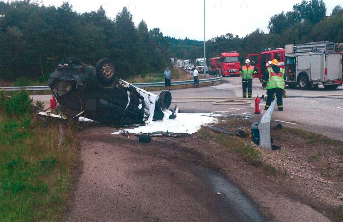 Bilder på olycksplatsen den 23 juli 2017 i Orust kommun då en rattfull gärningsman kör ihjäl sin medpassagerare.