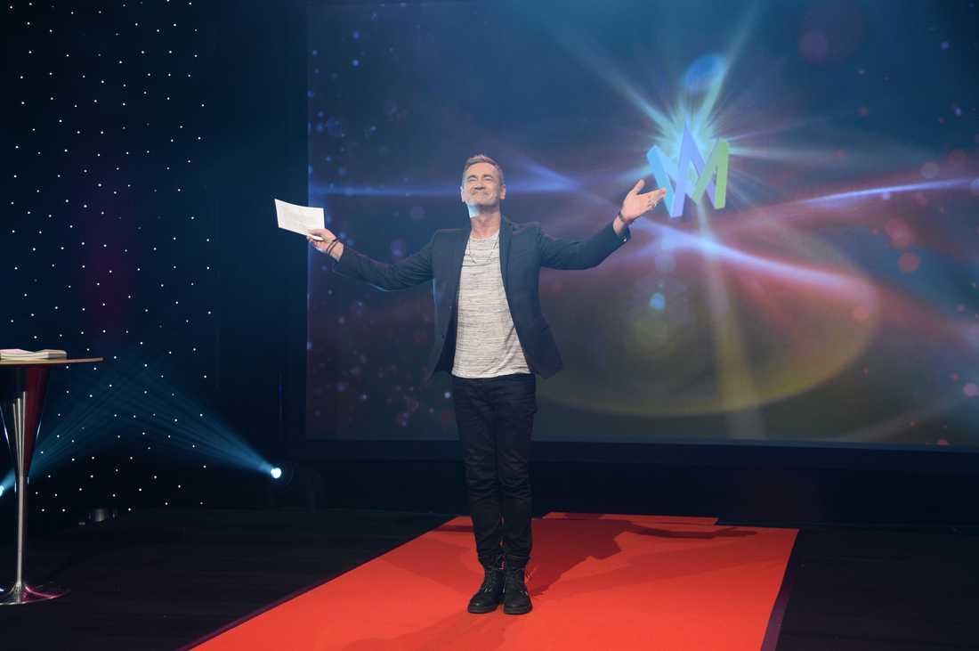 Exekutiv producent Christer Björkman på scenen när alla deltagare i Melodifestivalen 2016 skulle presenteras.