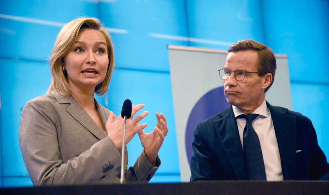Kristdemokraternas partiledare Ebba Busch Thor (KD) och Moderaternas partiledare Ulf Kristersson (M) vill uppdatera energiöverenskommelsen.