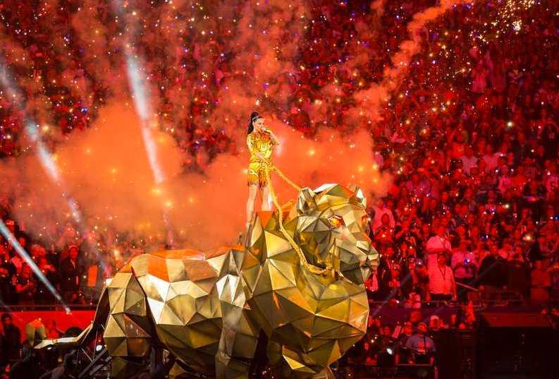 Katy Perry uppträdde under halvtidsshowen.