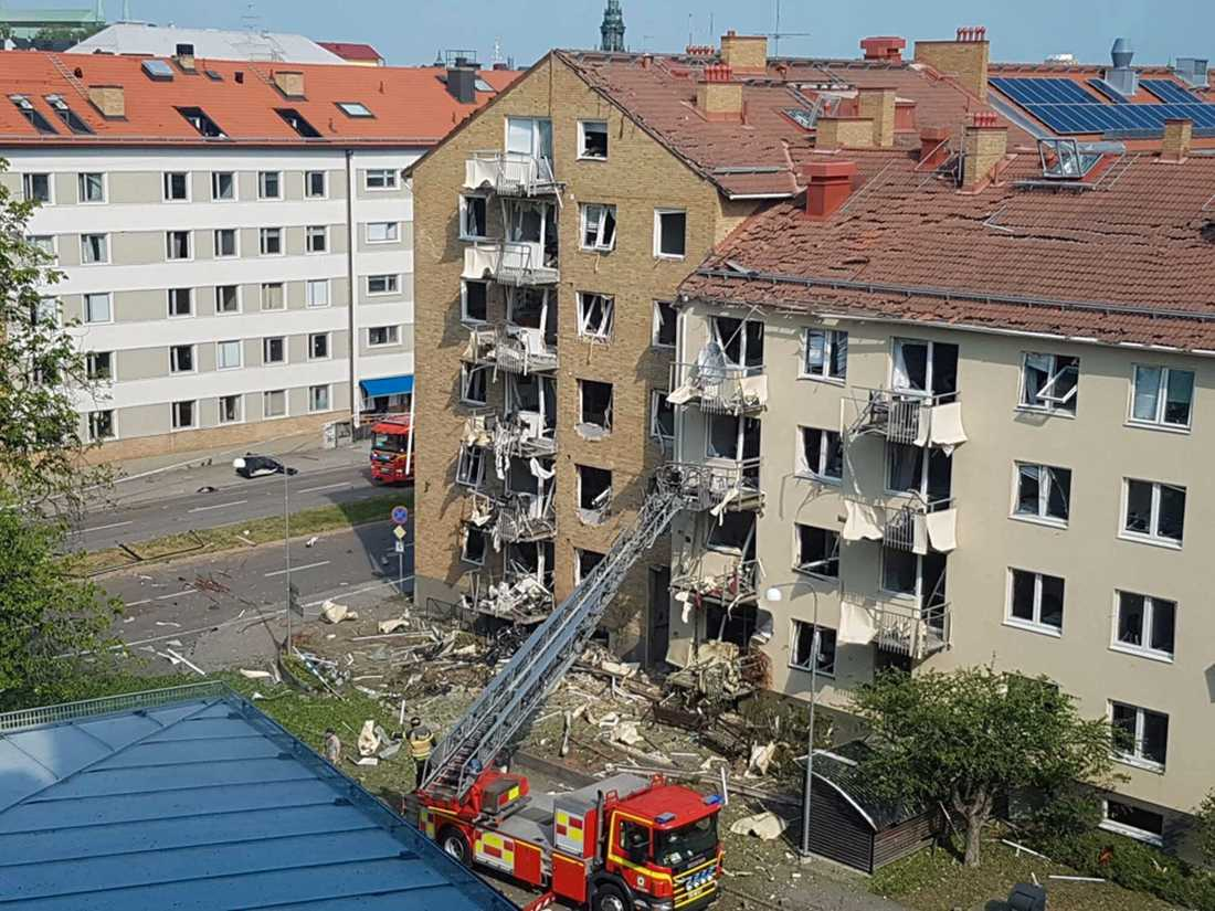 Förödelse efter explosion.