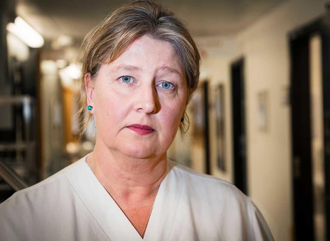 Enligt Eva Nordlund kommer bristen på barnmorskor att bli långvarig.