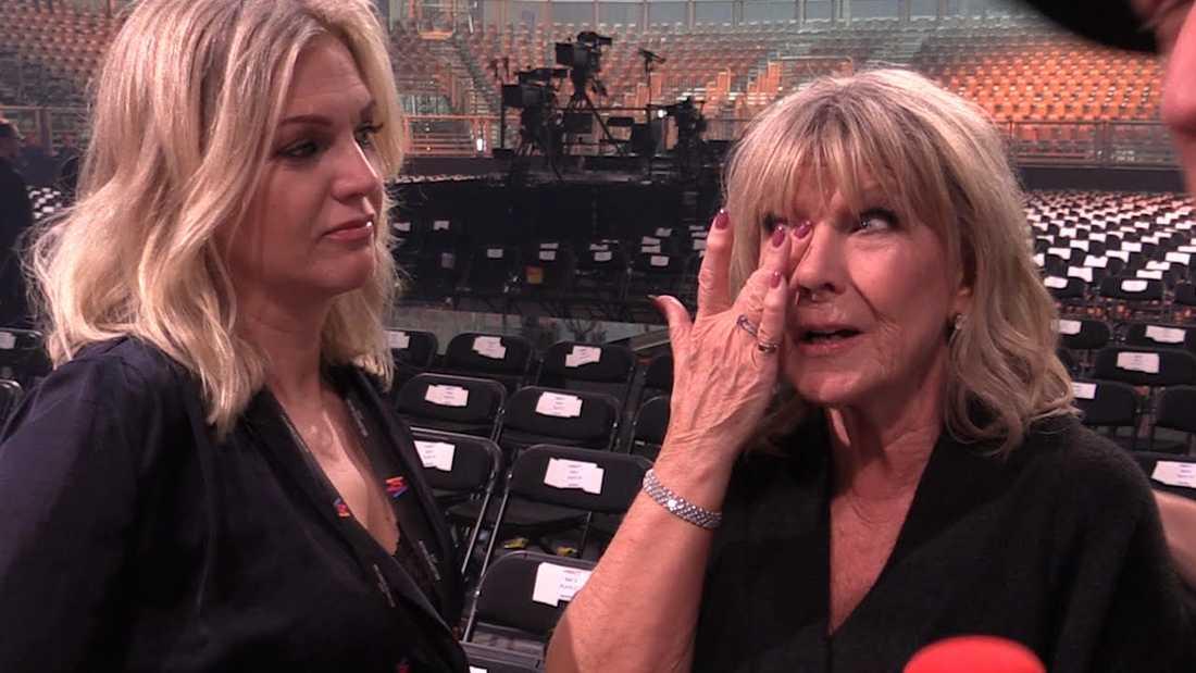 Ann-Louise Hanson torkar tårarna - så imponerad är hon över Bishara Morads talang