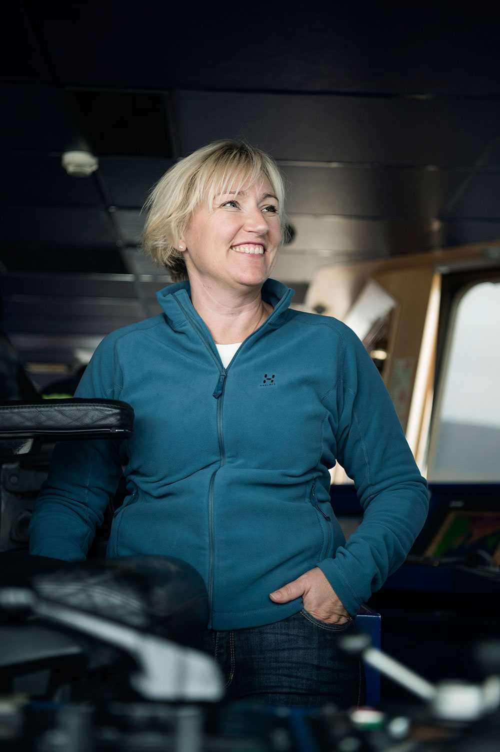 Helene Hellmark Knutsson, minister för högre utbildning och forskning, är på besök på Svalbard och isbrytaren Oden.