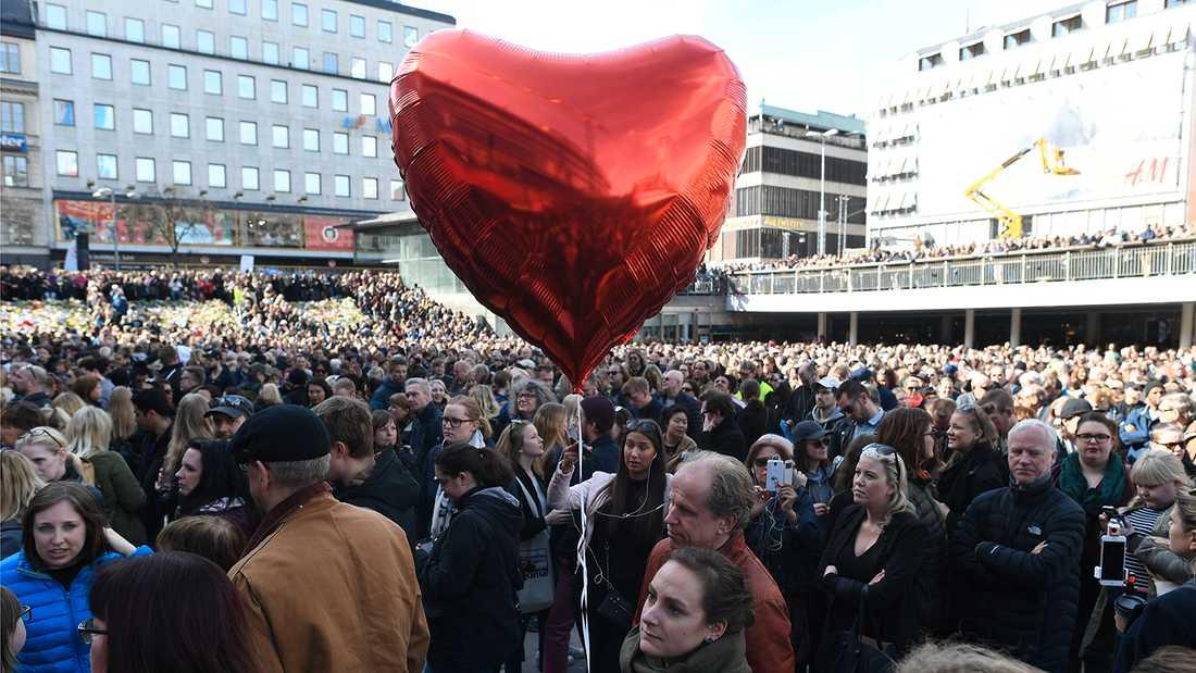 Kärleksmanifestationen fyllde Sergels torg i Stockholm.