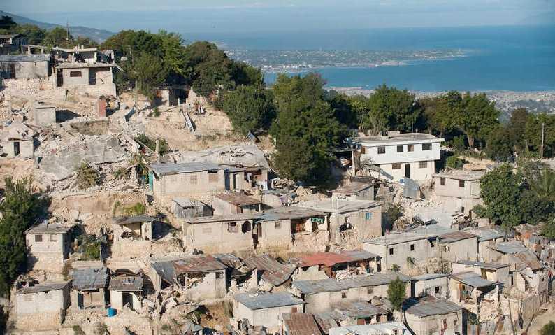 Förstörda hus i Port-au-Prince.