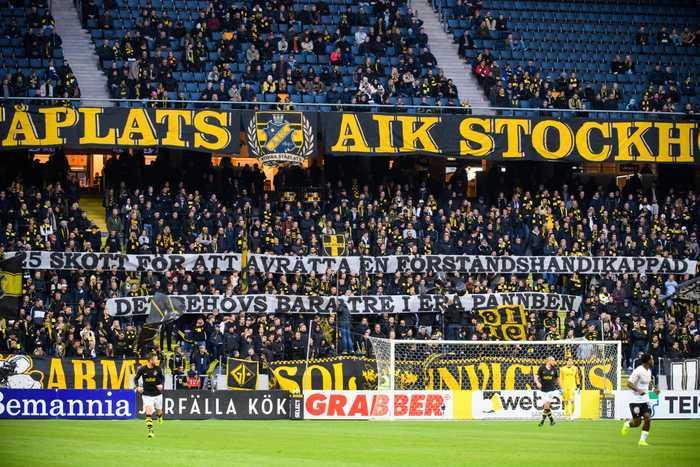 AIK-klackens omtalade banderoll på matchen mellan AIK och Örebro SK i lördags, en match som slutade 2–0 till hemmalaget AIK.