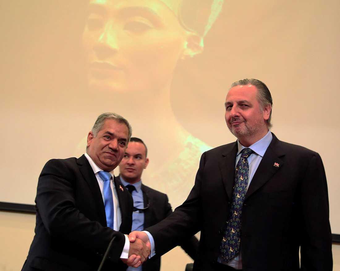 Mamdouh al-Damaty och Nicholas Reeves.