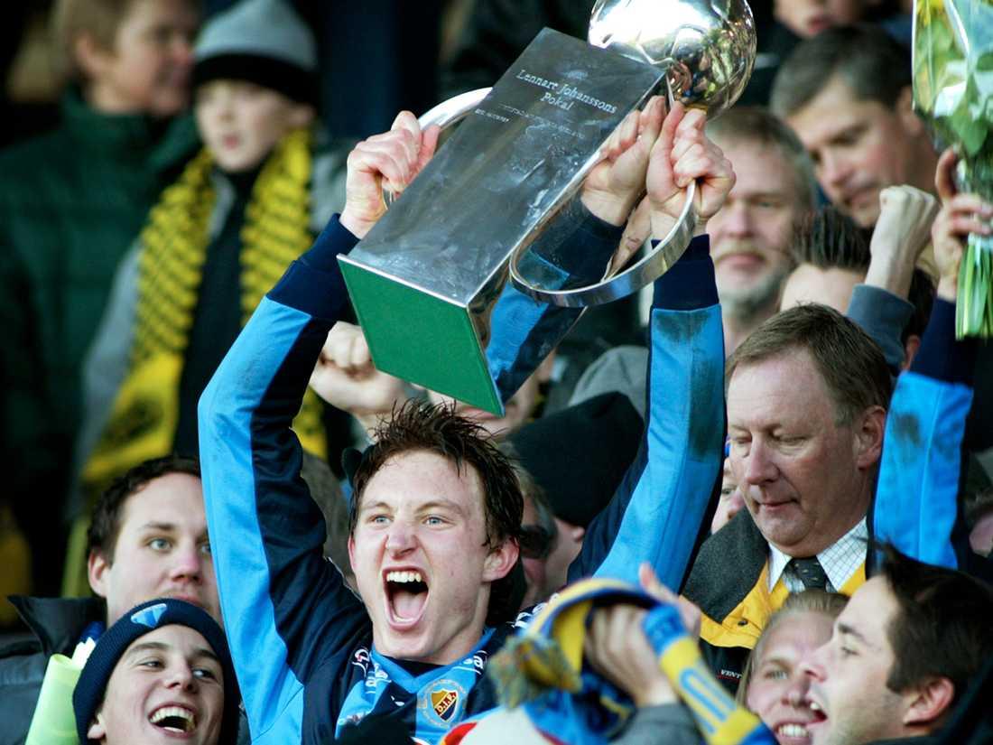 Kim Källström lämnade Häcken, flyttade till Stockholm inför 2002 och vann SM-guld med Djurgården redan under första säsongen.