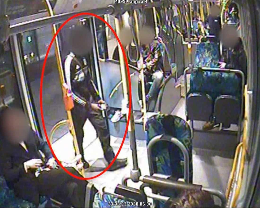 Bild från en bussresa som den nu mördade mannen gjorde natten innan han hittades död.
