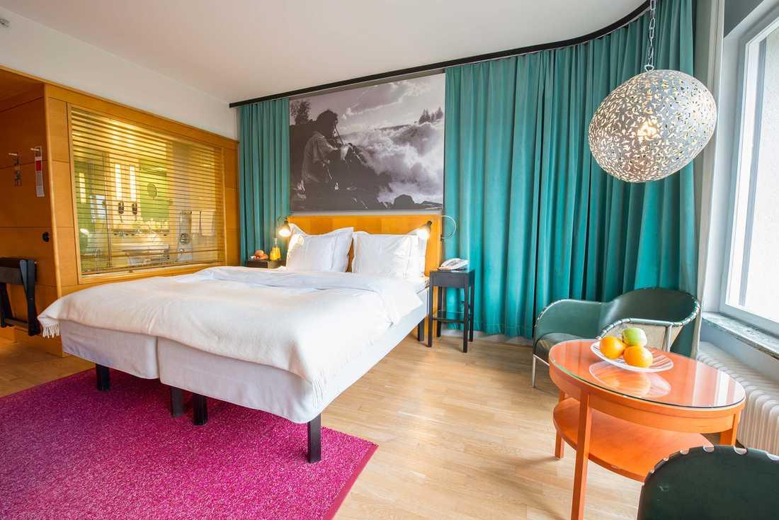 På Mariatorget i Stockholm ligger Hotel Rival.